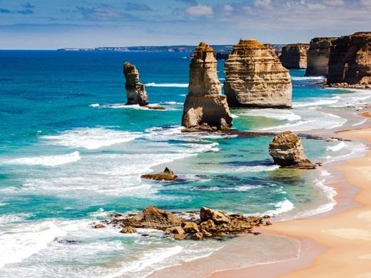 Thành phố Melbourne ở Úc vừa được Economist Intelligence Unit bình chọn là thành phố dễ sống nhất trên thế giới năm 2015, nên tất nhiên nơi đây cũng là một thiên đường hoàn hảo cho việc du lịch. Bán đảo Mornington ở Melbourne với những vườn nho, bãi biển và cácmón ăn ngon rất đáng để bạn đến một lần trong đời.(Ảnh: Business Insider)