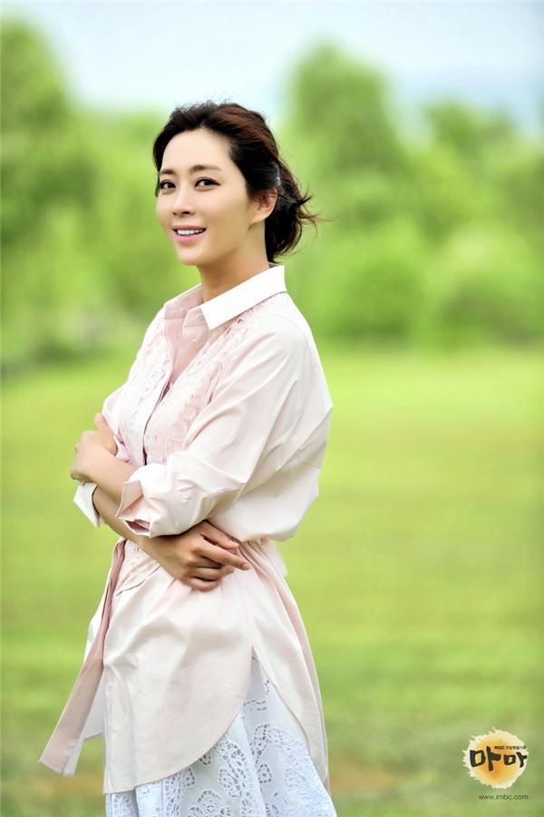 Song Yoon Ah khiến người xem rơi nước mắt khi thể hiện hình ảnh người mẹ cao cả.