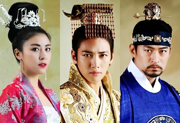 Những người xung quanh đều lần lượt rời bỏ Hoàng hậu Ki.