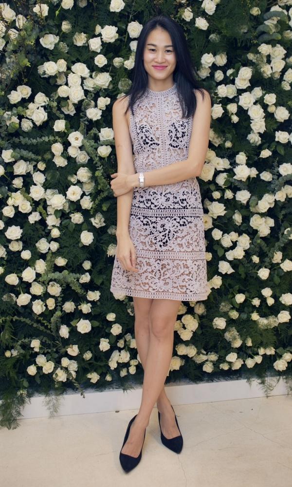 Cựu người mẫu Trương Thanh Trúc diện trang phục xuyên thấu khoe nội y rất gợi cảm nhưng đầy ý nhị. Cô là nàng thơ bấy lâu nay của Lâm Gia Khang. - Tin sao Viet - Tin tuc sao Viet - Scandal sao Viet - Tin tuc cua Sao - Tin cua Sao