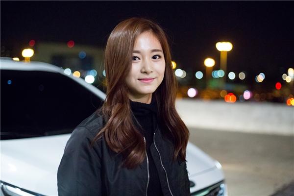 """Nhan sắc tân binh nhà JYP đe dọa """"soán ngôi"""" Suzy"""