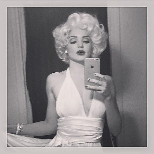 Người đẹp Marilyn Monroe được Miranda Kerr tái hiện lại trong dịp lễ Halloween năm nay.