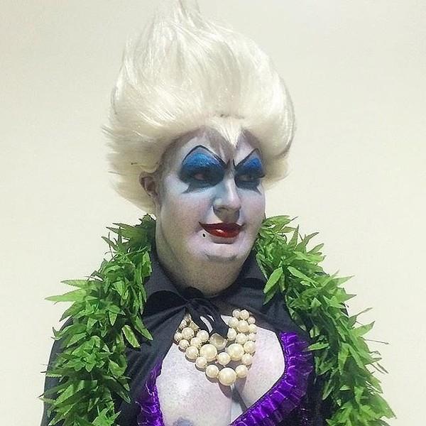 Mĩ nam của loạt phim truyền hình ArrowColton Haynesdọa fan vớitạo hình phù thủy Ursula đáng sợ trong truyện cổ tích Nàng Tiên Cá.