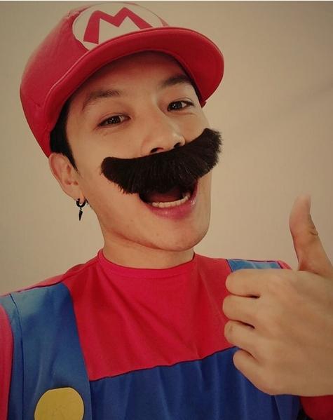 """Sau thời gian """"ở ẩn"""", Se7en trở lại với hình tượng Mario cực đáng yêu."""