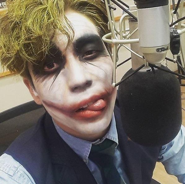 Changmin hóa trang thành nhân vật Joker nổi tiếng.
