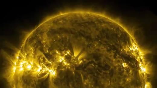 NASA tung đoạn clip đầy kì ảo mới nhất về mặt trời
