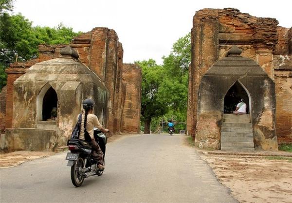 Thuê một chiếc xe đạp hay xe máy để lạc giữa thế giới cổ đại.(Ảnh: Internet)