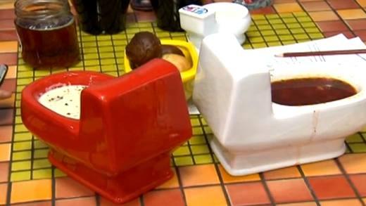 Kì quái quán cà phê mang chủ đề nhà vệ sinh