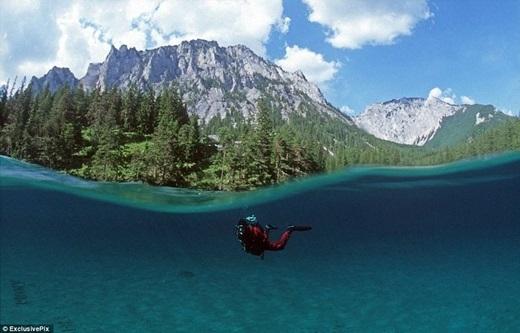 Băng tuyết trên núi Hochschwabtan chảy và đổ xuống vùng đất trũng phía dưới. Nước hồ dâng lên và nhấn chìmtoàn bộ công viên, tạo thành một cảnh quan hết sức kì vĩ. (Ảnh: Internet)