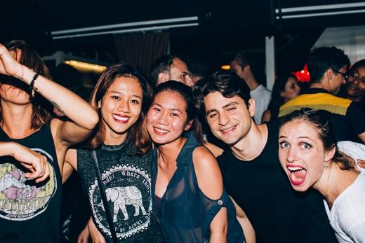 Giữa nhiềusự kiện lớn, Heart Beat tự hào giới thiệu các buổi tiệc tại những địa điểm ấm cúng do các DJ người nước ngoàivàViệt Namchơi nhạc.