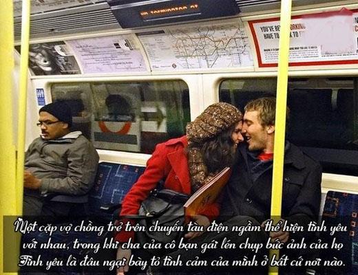 Đôi khi lang thang giữa phố đông người, bất chợt bắt gặp những đôi vợ chồng tuổi đời xế chiều tay trong tay, vai kề vai cùng ánh mắt đầy tình cảm, chắc rằng không ít lần bạn thầm ước ao tình yêu của mình cũng sâu đậm, dài lâu như họ.   Tình yêu dường như làm cho con người ta quên đi mọi thứ xung quanh và thế giới của họ chỉ còn có nhau!