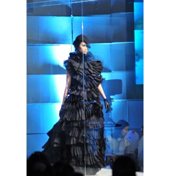 Năm 2007, Đỗ Mạnh Cường giới thiệu bộ sưu tập đầu tiên mang tên Cô đơntrên sàn diễn Đẹp Fashion Show 6. Và Thanh Trúc chính là người mẫu được giao mẫu thiết kế đinh trong bộ sưu tập.