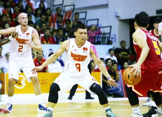 Triệu Hán Minh (áo số 9) cầu thủ Việt tham gia thi đấu nhiều nhất trong trậnvừa qua (31/10) với 25 phút ra sân.