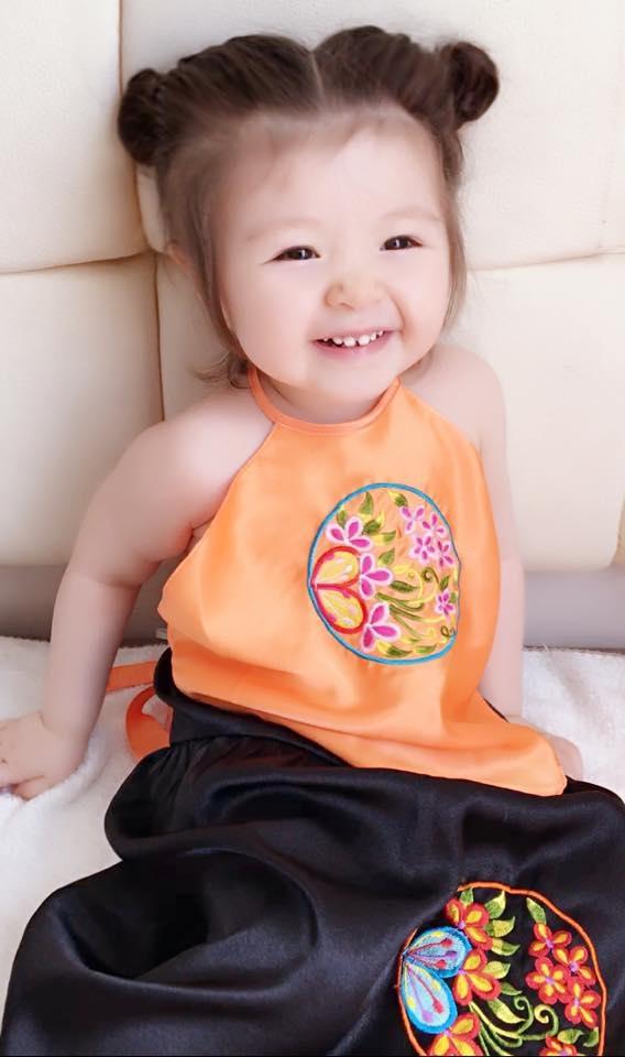 Con gái Elly Trần