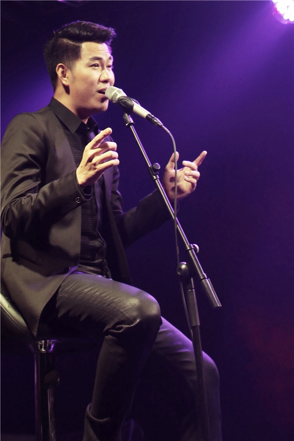 """Hồ Trung Dũng là một trong những nghệ sĩ """"đa-zi-năng"""" của showbiz khi vừa hát vừa làm giảng viên. - Tin sao Viet - Tin tuc sao Viet - Scandal sao Viet - Tin tuc cua Sao - Tin cua Sao"""