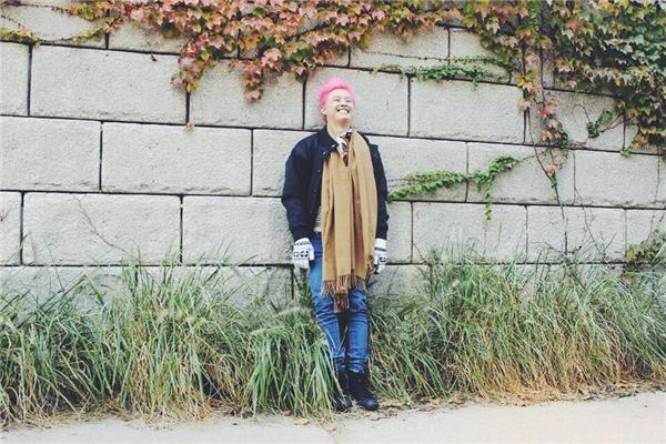 Hình ảnh nam ca sĩ với nụ cười rạng rỡ trên môi trong chuyến du lịch Hàn Quốc. - Tin sao Viet - Tin tuc sao Viet - Scandal sao Viet - Tin tuc cua Sao - Tin cua Sao