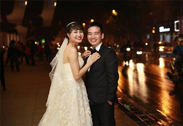 Nguyễn Văn Tiệp đã lập gia đình. Vợ và con trai là động lực để anh cố gắng trong công việc dạy học.