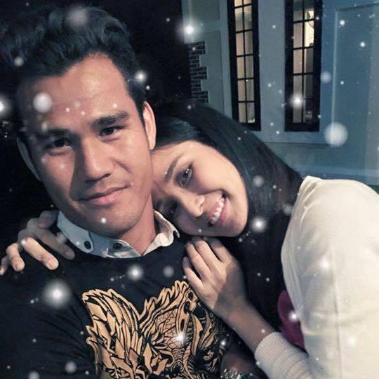 Trước đó hai tháng, trong một bài phỏng vấn, Thảo Trang khẳng định mối quan hệ vợ chồng đầm ấm, ông xã ủng hộ cô theo đuổi sự nghiệp diễn viên.