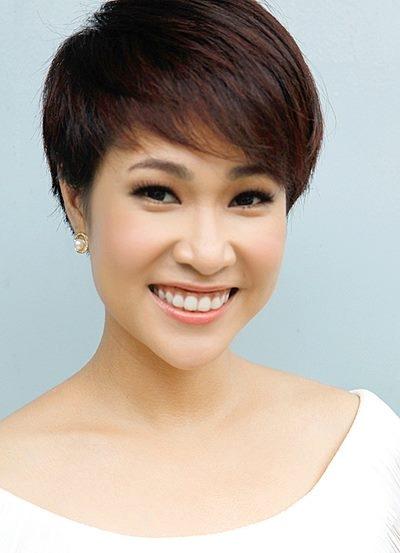 """Chỉ vớichiến thắng trongmột cuộc thi âm nhạc, Uyên Linh đã được ca tụng là """"diva"""". - Tin sao Viet - Tin tuc sao Viet - Scandal sao Viet - Tin tuc cua Sao - Tin cua Sao"""