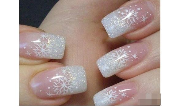 Đón Giáng sinh với nhiều kiểu trang trí móng tay nổi bật