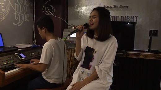 Vân Trang cover