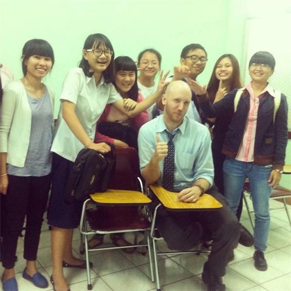 Philip muốn gắn bó lâu dài với công tiệc giảng dạy tiếng Anh tại Việt Nam.