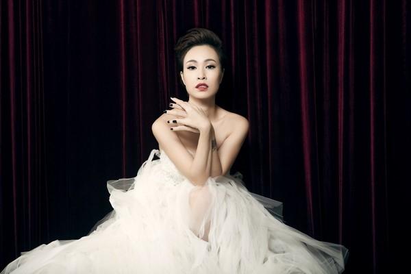 Uyên Linh từng thất bại tại nhiều cuộc thi hát trước khi đăng quang ngôi vị quán quân vào năm 2010. - Tin sao Viet - Tin tuc sao Viet - Scandal sao Viet - Tin tuc cua Sao - Tin cua Sao