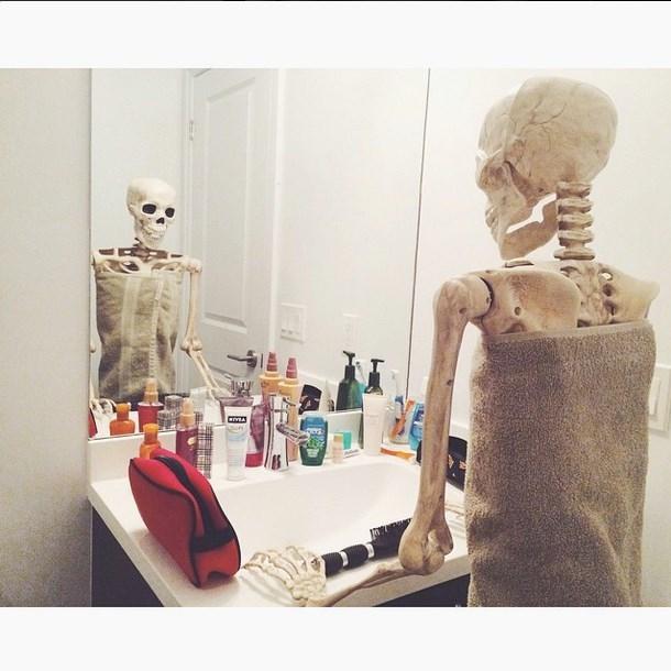 Bộ xương cũng phải sạch sẽ tinh tươm.(Ảnh: Instagram)