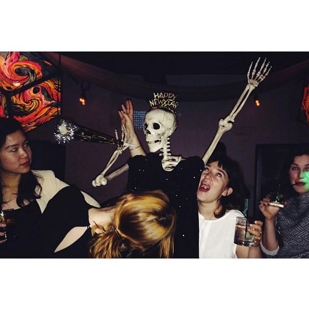 """Khi xương cũng thích """"quẩy"""".(Ảnh: Instagram)"""
