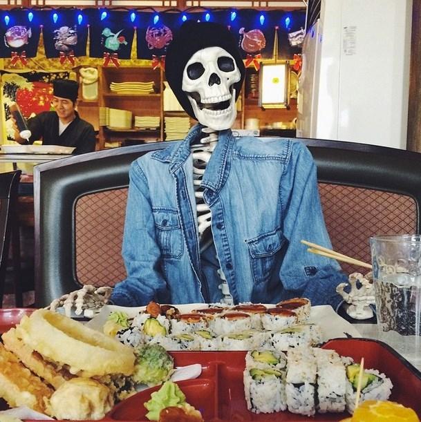 Thực đơn một ngày của xương phải đầy đủ như vầy nhé!(Ảnh: Instagram)