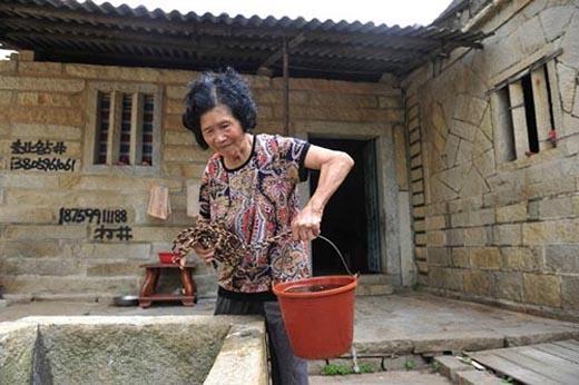 Tuy nhiên, sức khỏe của Zhuang không còn tốt như trước nữavà gần đâyphải nhập viện một thời gian. (Ảnh: Internet)