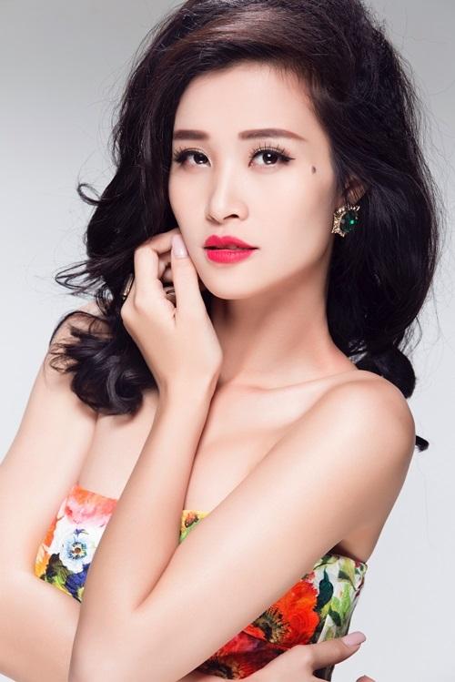 Sau khi ra mắt MV, Đông Nhi lại tiếp tục nhận nhiều lời mời tham gia hàng loạt các chương trình như giám khảo Ngôi sao phương nam, ca sĩ khách mời Vietnam Idol, giám khảo cuộc thi Be U with Honda,… - Tin sao Viet - Tin tuc sao Viet - Scandal sao Viet - Tin tuc cua Sao - Tin cua Sao