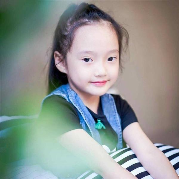 Cận cảnh nét hồn nhiên, trong sáng của bé Trương Bảo Anh.(Ảnh: Facebook)