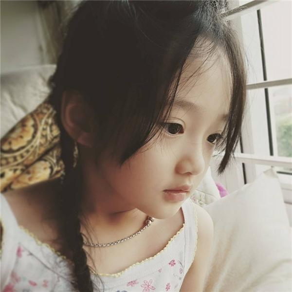 Một trong những bức ảnh không-khác-gì Châu Tấn của bé Bảo Anh.(Ảnh: Facebook)