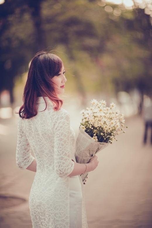 Sắc trắng của nhưng bông hoa li ti khiến nhiều người mê mẩn. (Ảnh Internet)
