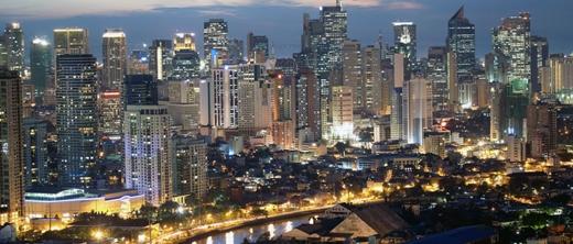 """Hay đếnManila (Philippines) - một trong những thiên đường mua sắn của châu Á để """"tậu"""" về cho mình những bộ cánh hợp xu hướng."""