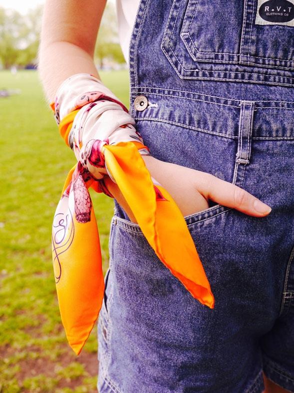 6 cách biến hoá với khăn quàng cổ