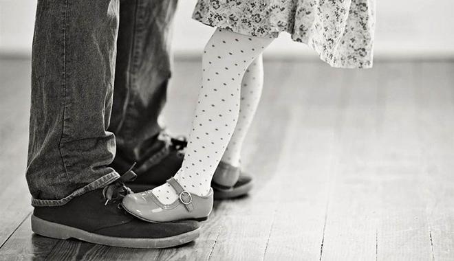Muốn trở thành bậc cha mẹ tinh tế, hãy thôi làm những điều này