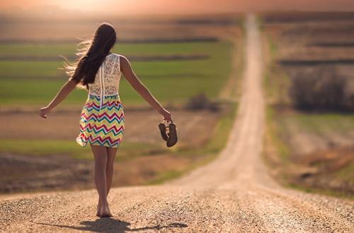 Cuộc đời vốn đơn giản, hãy ngừng bi kịch hóa bản thân