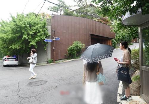 Bae Yong Joon khoe ảnh cưới lãng mạn trước giờ cưới