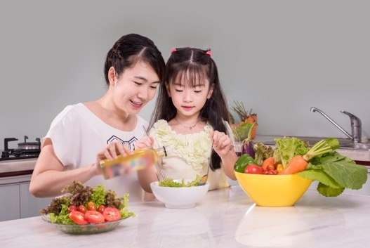 bổ sung dầu ăn cho con