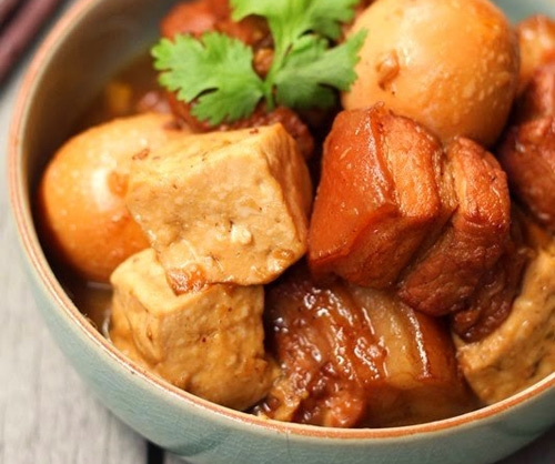 Đậm đà với thịt kho trứng đậu hủ ngon cơm, dễ làm