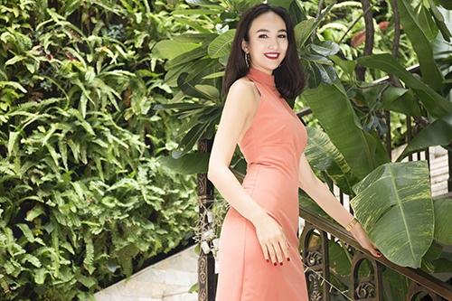 Hoa Hậu Ngọc Diễm khoe vẻ đẹp gợi cảm đầy quyến rũ
