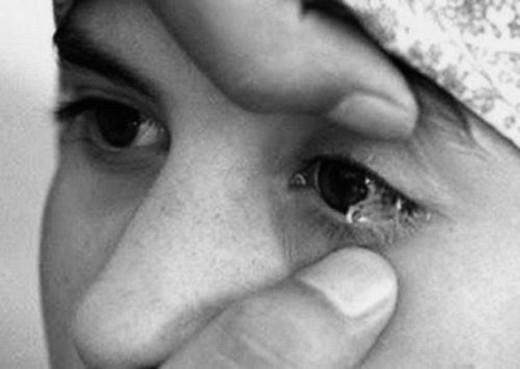 Từng giọt nước mắt biến thành pha lê trong suốt(Ảnh: Internet)