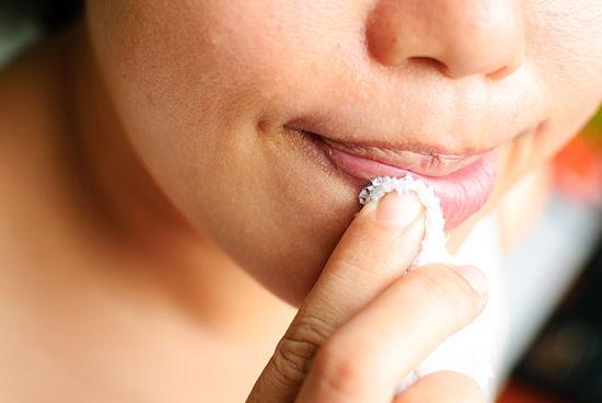 Giúp đôi môi trở nên tươi tắn, căng mọng bằng phương pháp đơn giản