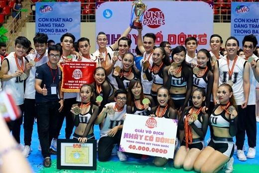 ĐH Quốc Tế - ĐHQG đã trở thành nhà vô địch đầu tiên của bộ môn nhảy cổ động - UniGames 2015.