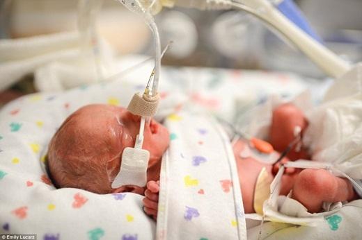 Cảm động người mẹ trao mạng sống cho tử thần để cứu con