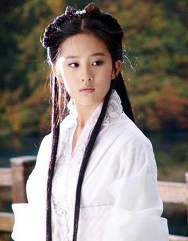 Tiểu Long Nữ - Lưu Diệc Phi cũng có nhan sắc hoa nhường nguyệt thẹn. (Ảnh: Internet)