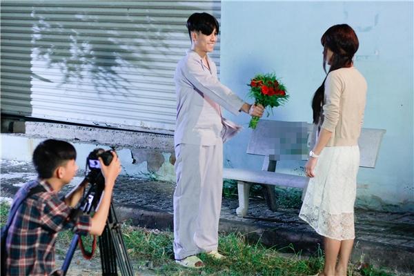 Những hình ảnh thú vị và không kém phần đáng yêu của cặp đôi trong MV mới. - Tin sao Viet - Tin tuc sao Viet - Scandal sao Viet - Tin tuc cua Sao - Tin cua Sao