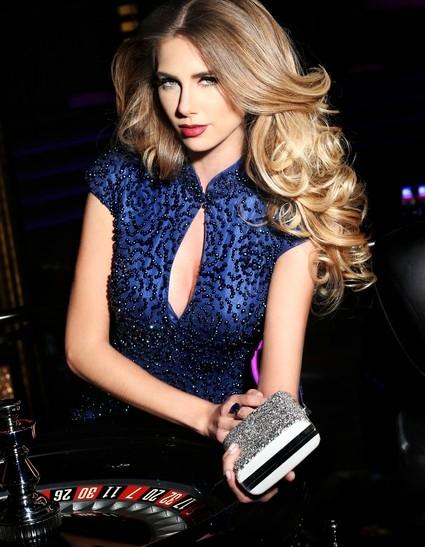 Đại diện Brazil được các chuyên gia sắc đẹp đánh giá là thí sinh tiềm năng tại Miss Universe năm nay. - Tin sao Viet - Tin tuc sao Viet - Scandal sao Viet - Tin tuc cua Sao - Tin cua Sao
